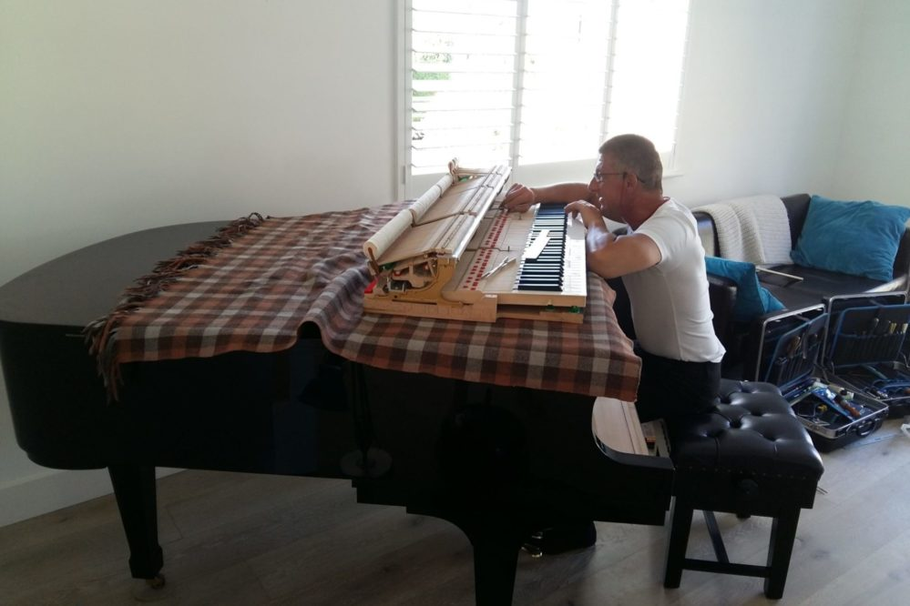 Sussex Coastal Holiday Cottage with Boston Baby Grand Piano GP156