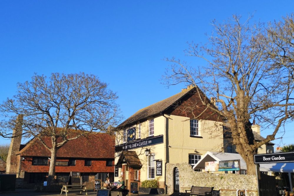 The Royal Oak Inn - Opposite Pevensey Castle