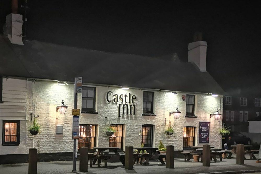 The Castle Pub - 5 min walk